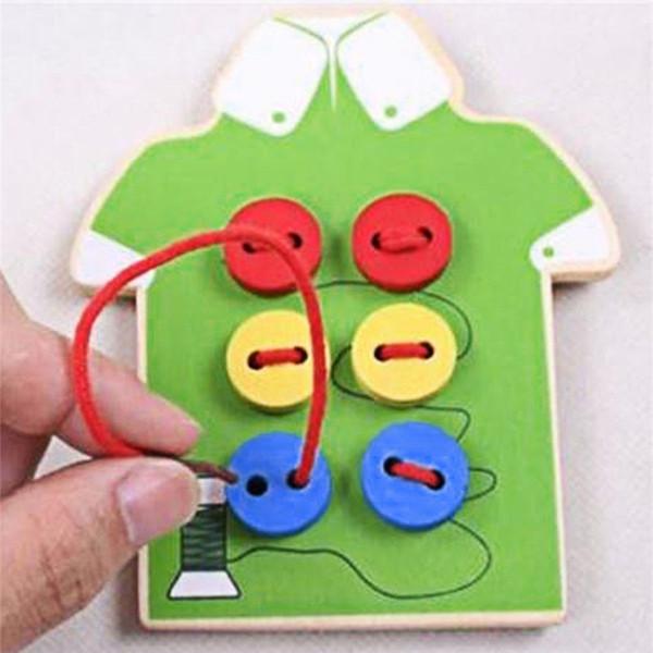 Al por mayor-Niños Montessori Juguetes educativos Niños Cuentas Cordón Junta Juguetes de madera Niño coser botones Botones Educación temprana Ayudas para la enseñanza