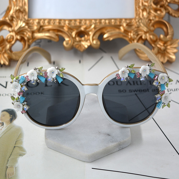 d581b1d410 Handmade Vintage Full Frame Round Sungalsses High Quality Design Rhinestone  Flower Baroque Sun Glasses Beach Party Crystal