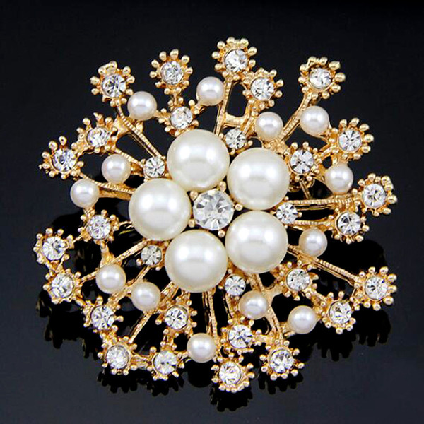 Crystal Rhinestone and Imitation Pearl Brooch Silver Plated Snowflake Style Brooches for Wedding Christmas Gift Pins