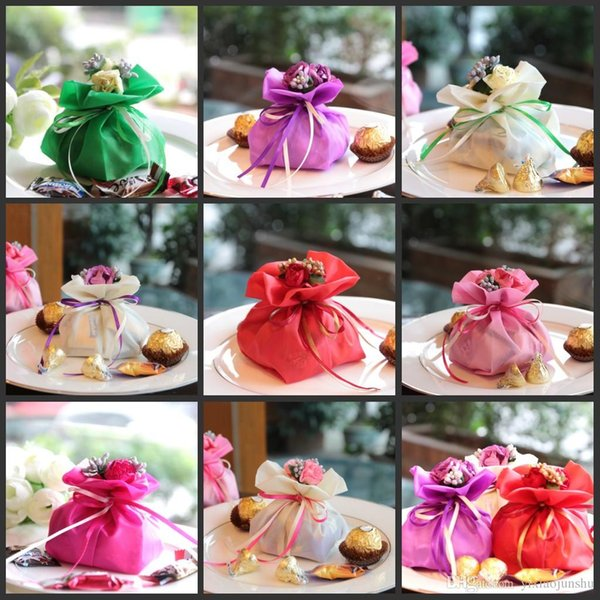 Hot sale Artificial Elegant Rhinestone Bouquet Wedding Gifts Bags Wedding Centerpieces Favors Damask Satin Candy Box For Table Decoration