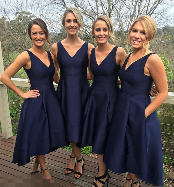 2017 Garden Short High Low Bridesmaid Dresses With Pockets Navy Blue Cheap V-Neck Pleats Maid Of Honor Gowns Formal Junior Bridesmaids Dress
