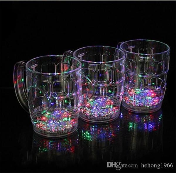 Leuchtende Plastikschale, die im Dunkeln leuchtet LED leuchten Becher Transparente Water Sensing Beer Cups Hohe Kapazität 6 9jc R