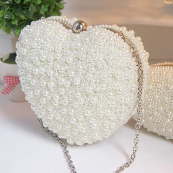 Stunning New Arrival Mini Bridal Hand Pearls Bags Sweetheart Dinner Bags Fashion Modern Evening Bags 18cm*19cm Heart-Shaped