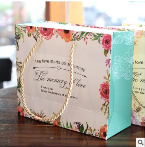 PASAYIONE Wedding Paper Gift Bags With Handles Wedding Favors For Guests Pink/Purple Flower Printing Candy Boxes Party Favors