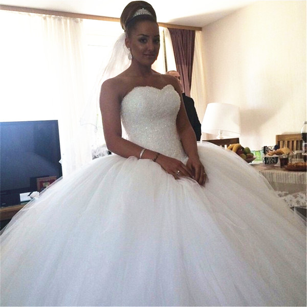 best selling Crystal Beaded Wedding Dresses New Luxury Designer Sweetheart Tulle Puffy Ball Gown Lace up Bridal Gowns 2019