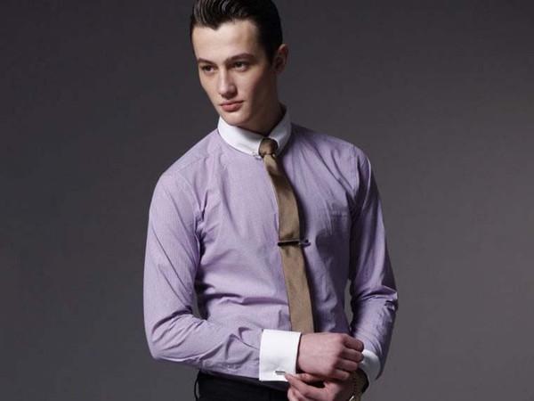 Camisa al por mayor de los hombres al por mayor de la alta calidad del algodón Camisa blanca casual de la luz del control del collar púrpura del envío libre