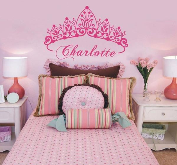 Девочка Корона винил искусство стикер стены Принцесса персонализированные питомник пользовательские девушки имя искусства спальня декоративные наклейки на стены 40 * 58 см