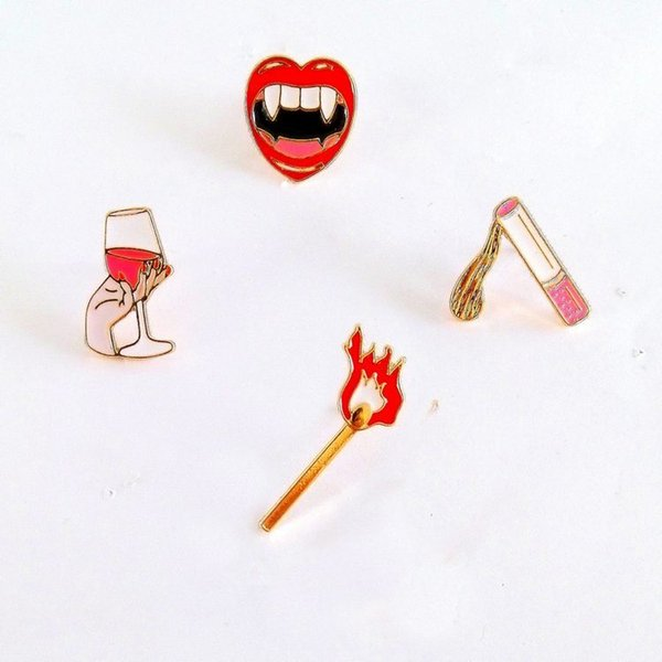 Wholesale- Free shipping fashion match cigarettes red wine glass vampire mouth metal brooch pins jewelry wholesale
