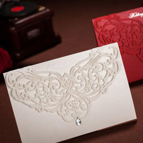 Customizable Hollow butterfly Crystal Lace Wedding Invitation Card Laser Cut Folded Wedding Invitations With Envelope Sealed Card