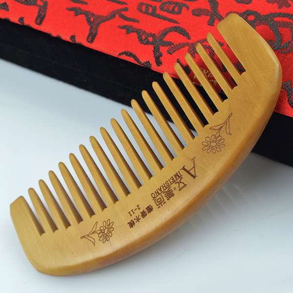 Sandalwood wooden comb tooth long 11x5cm fine curved back shape natural sandalwood wooden comb