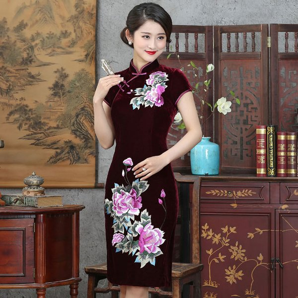 2019 New high quality simple fashion plus size short sleeve velvet embroidered purple/red/blue short cheongsam Chinese dress daily qipao