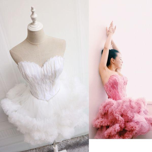 Bela Querida Pena Puffy Saia Curta Cocktail Dress Girl Pageant Vestidos Sem Mangas Strapless Vestido De Baile Novo