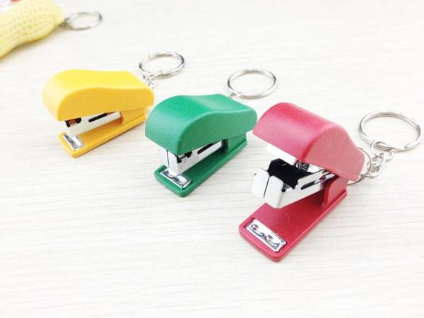 ИУ небольшие товары Оптовая творческий мини степлер брелок очернить детские канцелярские подарок оптовые поставки