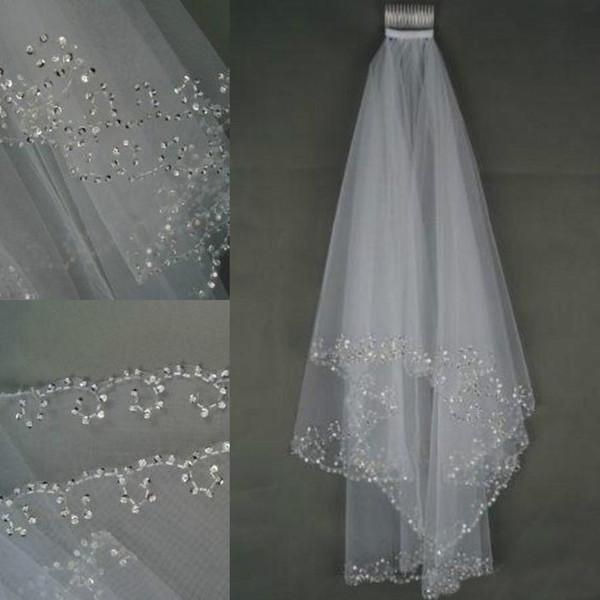 2017 En Stock Wedding Velos Cristales 2 capas Handmade Crescent Edge Accesorios nupciales Blanco y marfil Velos de novia Cuentas con peine