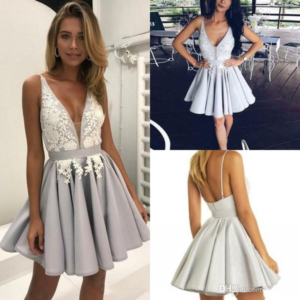 Gorgeous Silver Arabic Homecoming Dresses with White Lace A-Line Deep V-Neck Short Graduation Gowns Sexy Chic Cocktail Dress for Party Wear