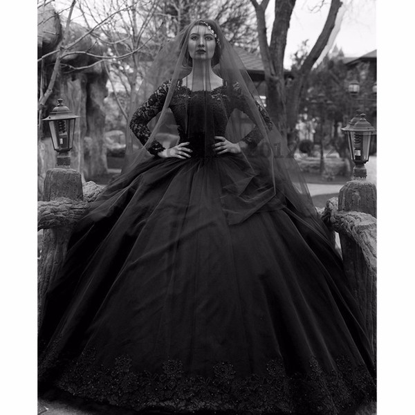 Black Gothic Ball Gown Wedding Dresses Square Neck Long Sleeve Appliques Bridal Gown With Sequins Pearls Tiered Skirts Wedding Gown