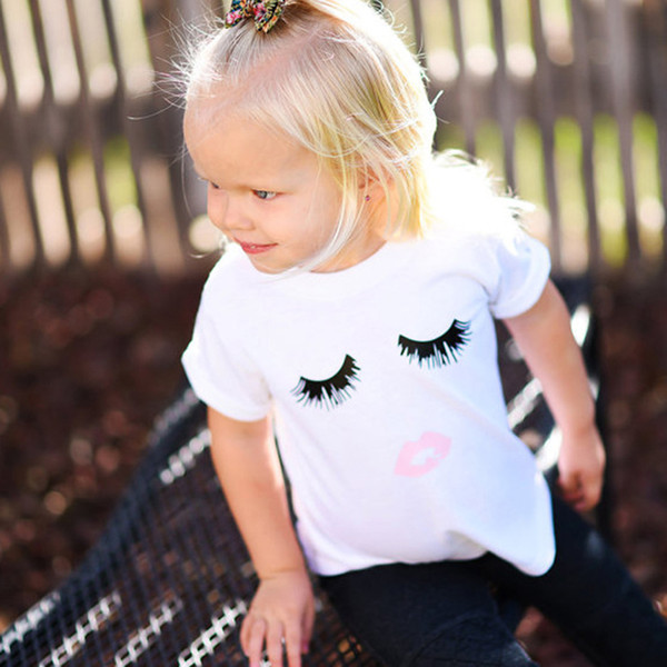 Çocuklar için yaz T-Shirt 2017 Çocuk Giyim Bebek Gözler + Kırmızı dudaklar Desen tişörtlü Kısa Kollu Kızlar En Tees Çocuklar Dış Giyim