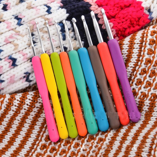 Wholesale 9Pcs B C D E G 7 H I J Aluminum Crochet Hooks Knitting Needles Multi-color Soft Plastic Grip Handle Weave Craft