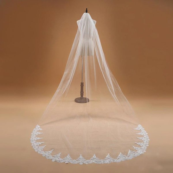 Ventas calientes Blanco / Marfil 3 metros Velos de novia largos con peine Tul Aplique Una capa Catedral Bodas Velos de novia largos CPA910