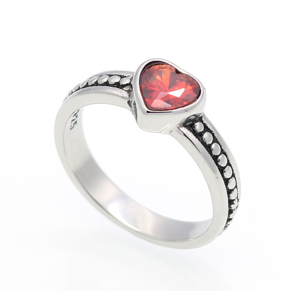 Hot sales brand titanium ring stainless steel casting a vintage ring with a heart of zircon diamond ring