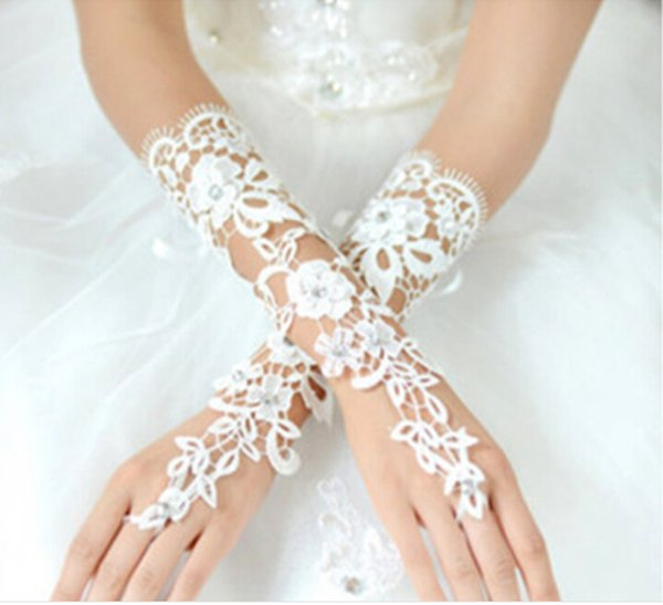 Chic Applique Lace Below Elbow Length White Wedding Bridal Gloves 2016 Hot Selling Beading Bridal Gloves Fingerless Wedding Accessories G12