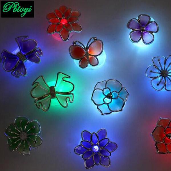 Vente en gros- Forme de fleur pétale Sucker Coloré Led Lampe Sucker Lampe Placard Sucker PB0178