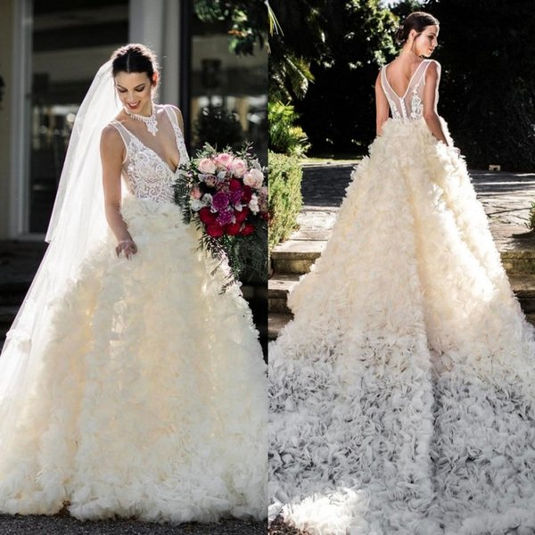 2017 Fall Wedding Dresses Plus Size Sexy Deep V Neck Bridal Gowns Luxury Lace Wedding Dress