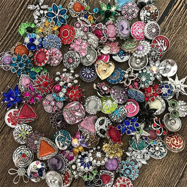Hot 50pcs/lot High quality Mix Many styles 18mm Metal Snap Button Charm Rhinestone Styles Button rivca Snaps Jewelry NOOSA button 4647