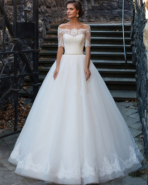 top popular Half Sleeve Ball Gown Off the Shoulder Wedding Dress Appliques Lace Pearls Belt Button Floor-Length Bridal Gowns 2021