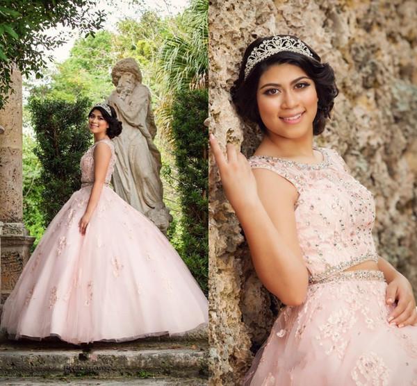 2017 New Pink Due Pezzi Quinceanera Ball Gown Abiti Gioiello Collo Appliques In Rilievo Tulle Dolce 16 Plus Size Prom Abiti Da Sera
