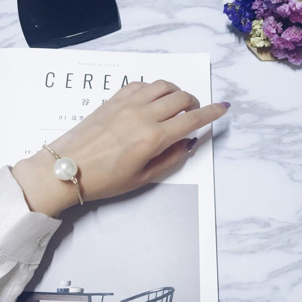 Wholesale Cheap Hot Sale One Pearl Gold Snake Chain Simple Fashion Trend Women Bracelet Three Size