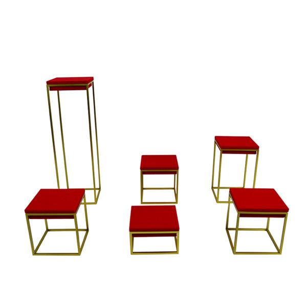 Espositore di gioielli in acciaio inossidabile di fascia alta nuovo di zecca espositore per espositori per espositori per finestre con anello pendente in velluto rosso