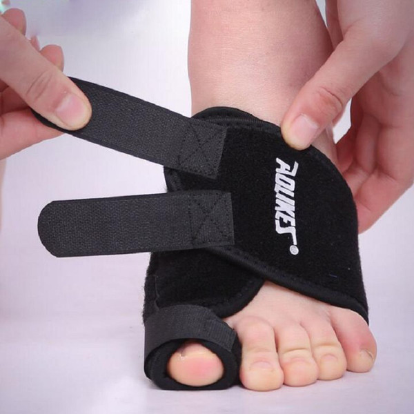 Commercio all'ingrosso Soft Big Toe Borsite Splint Straightener Corrector Foot Pain Relief Cura del piede Protezione di sport del pollice Fixed Toe Spedizione gratuita