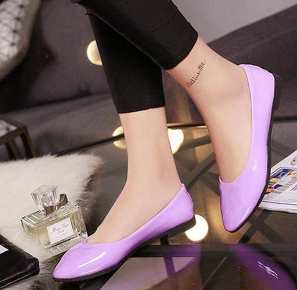 Moda zapatos lindos nuevos zapatos planos salvajes adecuados para cualquier ocasión con color púrpura bien elegidos para mujeres y niñas