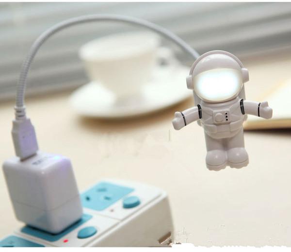 Lampada da tavolo da scrivania a risparmio energetico di sicurezza a forma di astronauta USB a forma di astronauta a forma di cartone animato