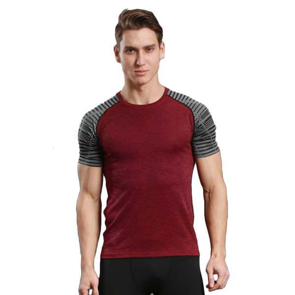 top popular Men's comfortable breathable fitness blouse 2021