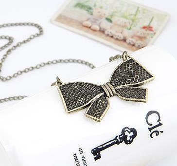 Necklaces Pendant for Women Fashion Vintage Punk Metal Bow Pendant Necklace Flower Long Chain Statement Necklaces
