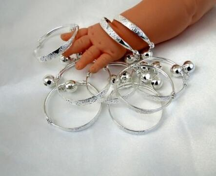 Wholesale Fashion 10pcs Vintage Silver Baby jingling kid Bell Bracelet Good Luck Charms Bangle DIY For children Jewelry Accessories P1262