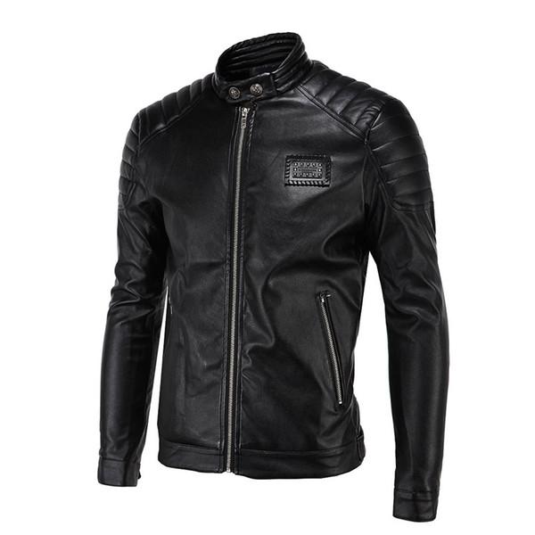 Оптовая продажа-Весна кожаные куртки мужчины черный байкер куртки мужчины стеганые плеча старинные заклепки знак патч мотоцикл куртки и пальто 5XL