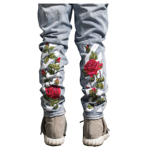 Atacado- 2017 legal Rose Floral Bordado rasgado Denim Jeans Novos Homens 2017 Hi-end Moda Boot Cut Men Masculino Jeans Azul Preto