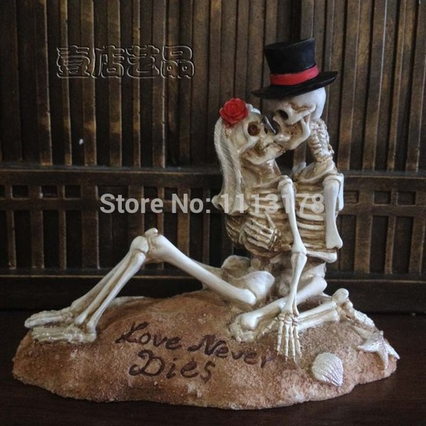 Wholesale- Beach Wedding Cake Topper Halloween Skull bride and bridegroom Figurine cake toppers decoration Valentine's Day gift