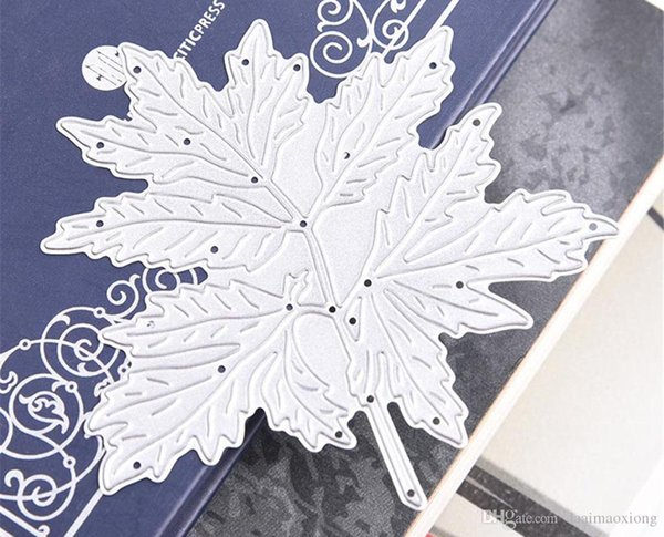 Metal Maple Leaf Pattern Template Stencil For DIY Scrapbook Album Paper Card Embossing Painting Tools Template Stencil WN0879