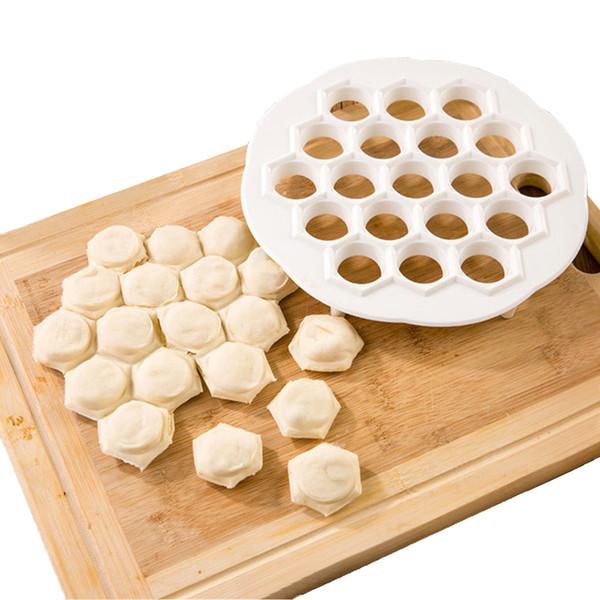1pcs 19 Holes Dumplings Maker Mold DIY Plastic Dumplings Tool Jiaozi Machine Dough Press Ravioli Maker Mould Pastry Tool