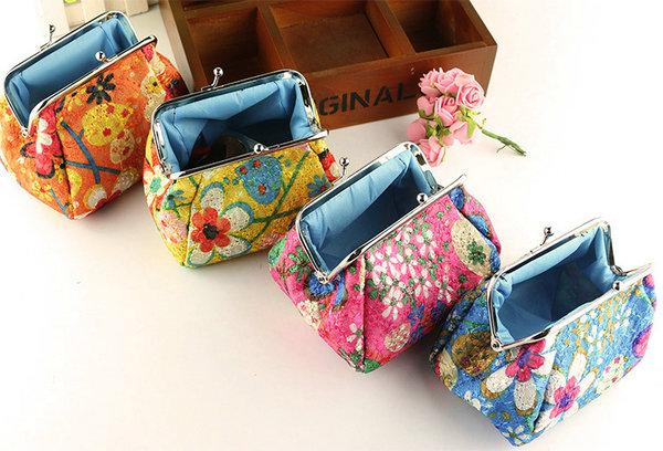 100pcs New Fashion Vintage embroidery flower coin purse canvas key holder wallet hasp small gifts bag clutch handbag Christmas gift