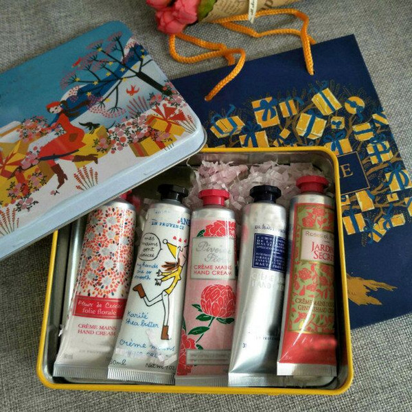 top popular Newest sale 1box=5pcs Famous Brand For Christmas EN PROVENCE hand cream suit with 5 pieces pack suit mini hand lotions free shipping 2021