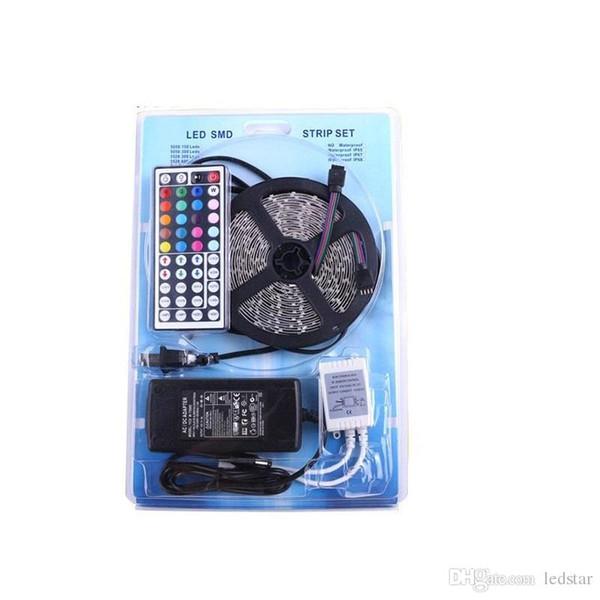 LED-Streifen 5050 5 M RGB Kit 60LED / M 300 LEDs Flexible LED-Streifen Licht Rolle Wasserdicht IP65 mit 44 Tasten Controller + 12 V 5A Netzteil