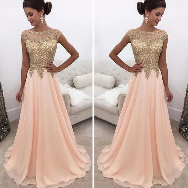 Venta Blush Pink Una línea Vestidos de baile Sheer Jewel Neck Apliques de oro Vestidos de noche Gorro de manga larga de gasa Venta caliente
