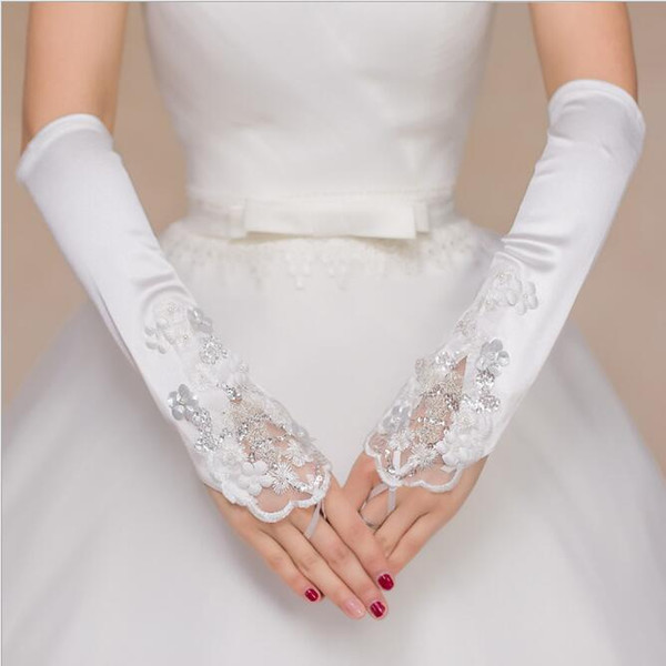 2018 New Bridal Pearls Gloves For Wedding Dress Bridal Gown Free Size Gloves Bandage Fingerless Hollow Lace Blow Elbow Length