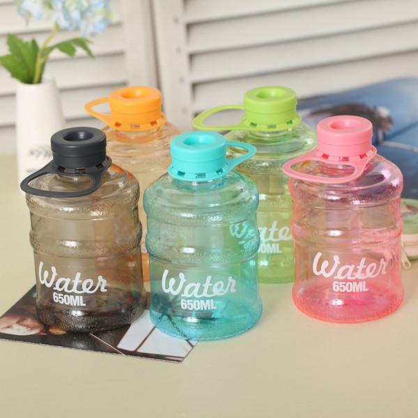 CJ031 Botella de agua embotellada Botellas portátiles de plástico 650ml Drinkware Drinkware Botella fácilmente Azul, rosa, morado, gris