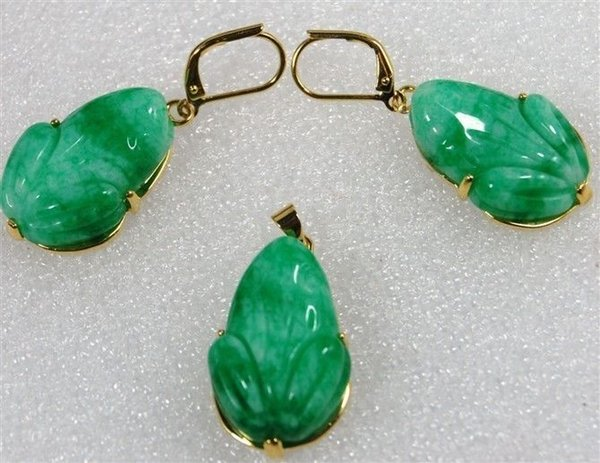 Wholesale cheap Lady's beautiful carved green purple jade frog beads pendant earring set